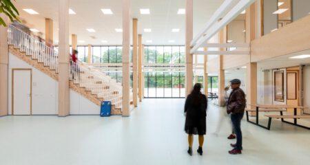 Demeeuw amsterdaminternationalschool hal met trap
